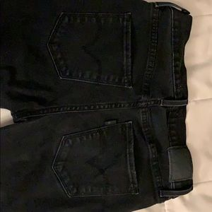 Woman Levi's black jeans size waist 27 length 30